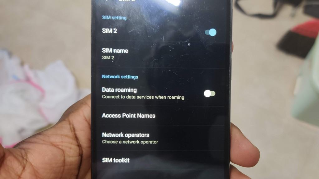 Data Roaming Setting on a OnePlus 2